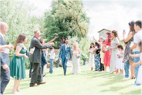 Best Bright Natural Wedding Photographer 095(pp w480 h321)