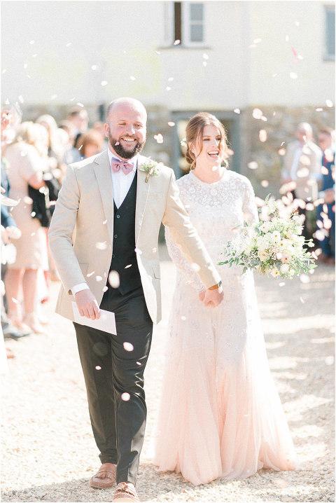 Best Bright Natural Wedding Photographer 097(pp w480 h718)