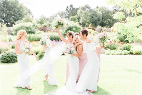 Best Bright Natural Wedding Photographer 099(pp w480 h321)