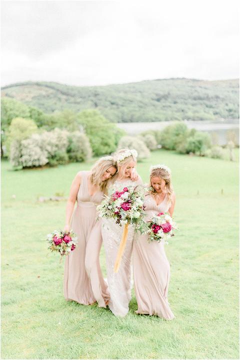 Best Bright Natural Wedding Photographer 106(pp w480 h718)