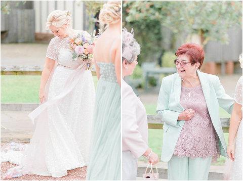 Best Bright Natural Wedding Photographer 114(pp w480 h358)