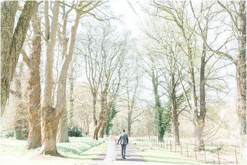 Best Bright Natural Wedding Photographer 139(pp w480 h321)