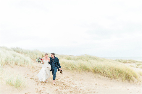 Best Bright Natural Wedding Photographer 145(pp w480 h321)