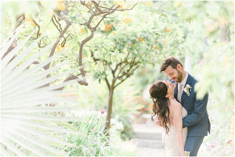 Best Bright Natural Wedding Photographer 157(pp w480 h321)