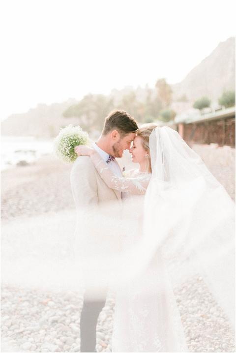 Best Bright Natural Wedding Photographer 161(pp w480 h718)