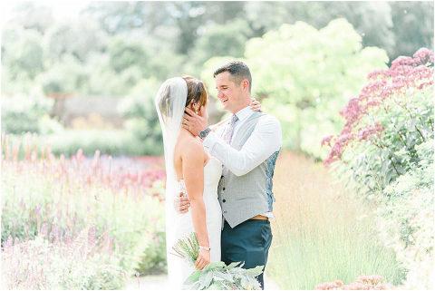 Best Bright Natural Wedding Photographer 167(pp w480 h321)