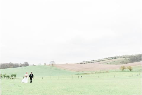 Best Bright Natural Wedding Photographer 173(pp w480 h321)