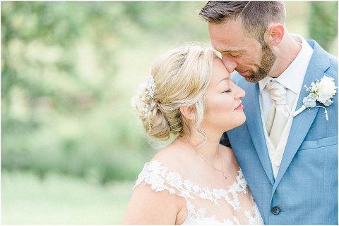 Best Bright Natural Wedding Photographer 190(pp w480 h321)
