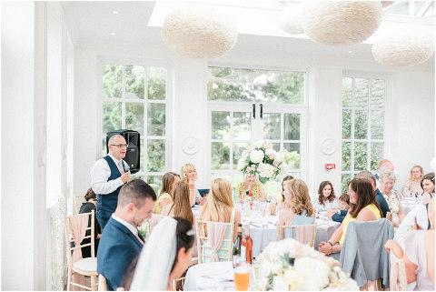 Best Bright Natural Wedding Photographer 214(pp w480 h321)