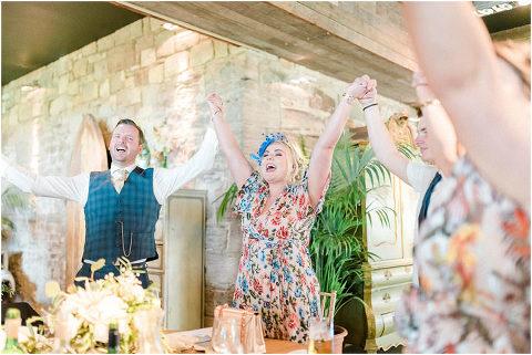 Best Bright Natural Wedding Photographer 220(pp w480 h321)