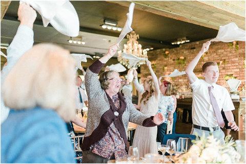 Best Bright Natural Wedding Photographer 239(pp w480 h321)