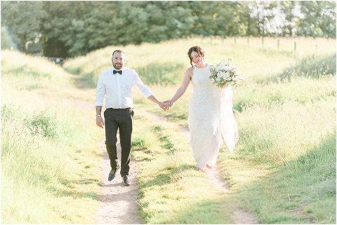 Best Bright Natural Wedding Photographer 243(pp w480 h321)