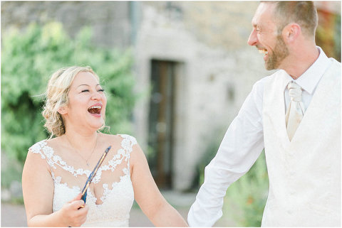 Best Bright Natural Wedding Photographer 245(pp w480 h321)