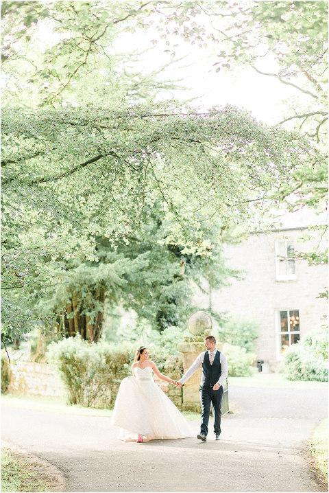 Best Bright Natural Wedding Photographer 249(pp w480 h718)
