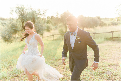 Best Bright Natural Wedding Photographer 251(pp w480 h321)