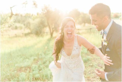 Best Bright Natural Wedding Photographer 252(pp w480 h321)