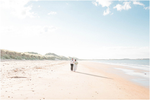 Best Bright Natural Wedding Photographer 254(pp w480 h321)