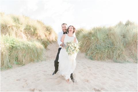 Best Bright Natural Wedding Photographer 265(pp w480 h321)