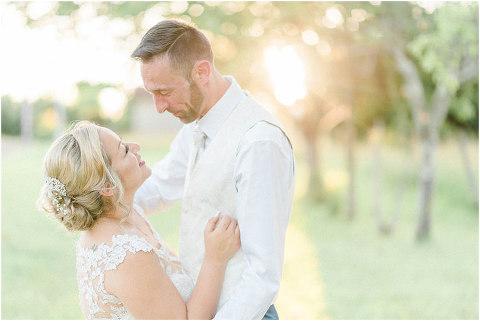 Best Bright Natural Wedding Photographer 272(pp w480 h321)