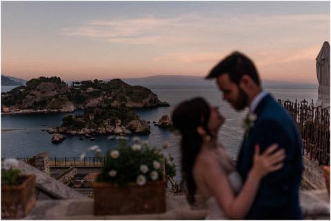Best Bright Natural Wedding Photographer 296(pp w480 h321)
