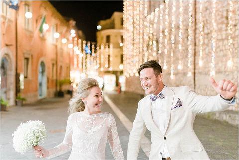 Best Bright Natural Wedding Photographer 297(pp w480 h321)