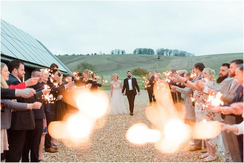 Best Bright Natural Wedding Photographer 300(pp w480 h321)