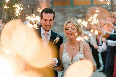 Best Bright Natural Wedding Photographer 302(pp w480 h321)