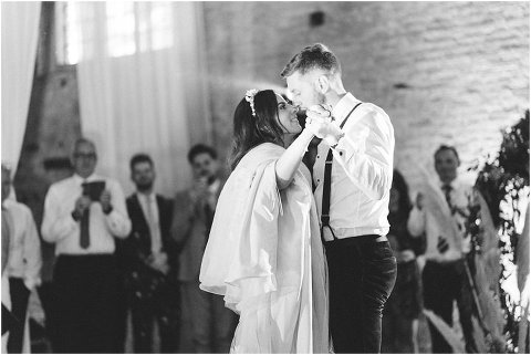 Best Bright Natural Wedding Photographer 311(pp w480 h321)