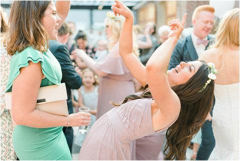 Best Bright Natural Wedding Photographer 314(pp w480 h321)