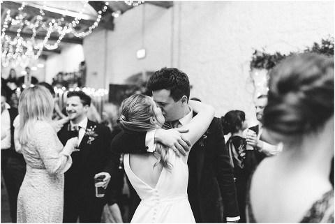 Best Bright Natural Wedding Photographer 319(pp w480 h321)
