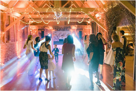 Best Bright Natural Wedding Photographer 323(pp w480 h321)